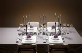 table bien decorée