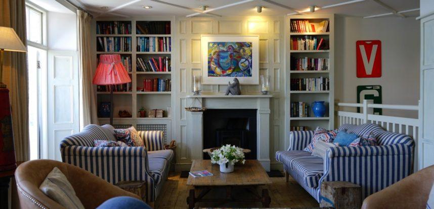 apartment_bookcase_chair_contemporary_couch_decor_decorate_design-915300 (1)